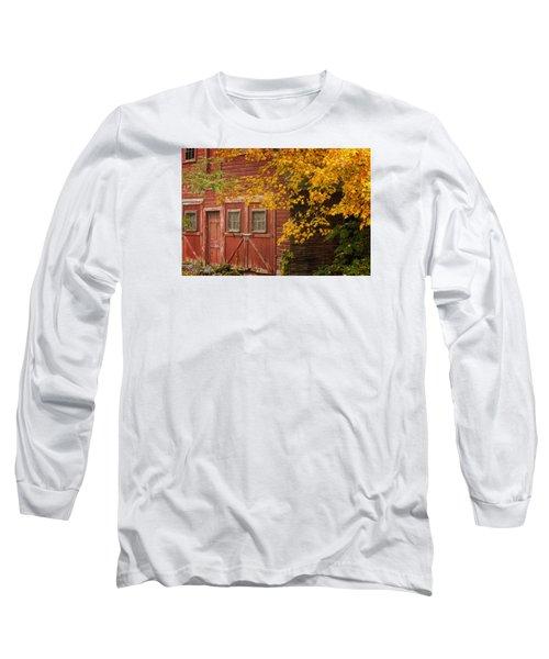 Long Sleeve T-Shirt featuring the photograph Autumn Barn by Tom Singleton