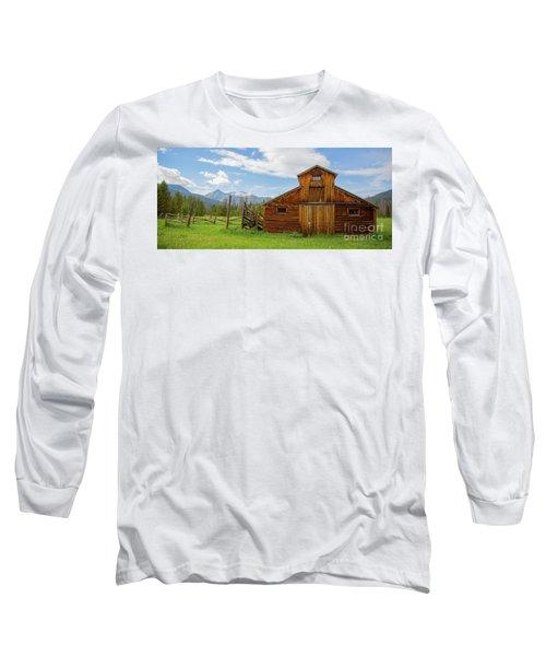 Buckaroo Barn In Rocky Mtn National Park Long Sleeve T-Shirt by John Roberts