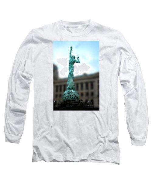Cleveland War Memorial Fountain Long Sleeve T-Shirt by Terri Harper