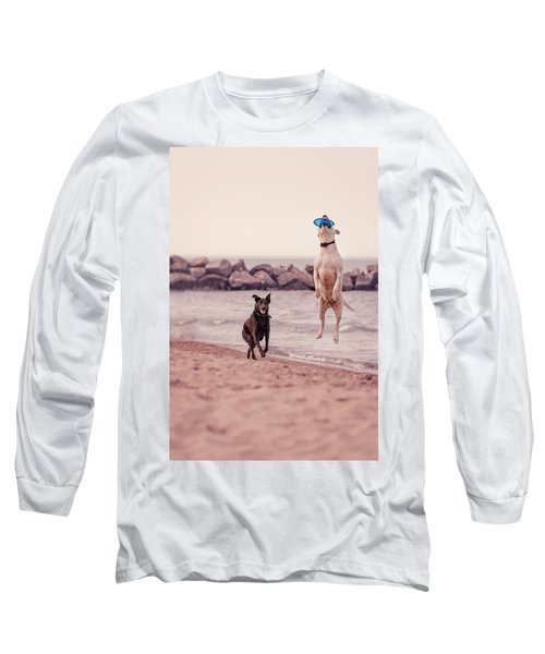 Dog With Frisbee Long Sleeve T-Shirt