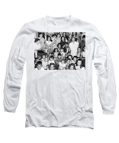 Eleanor Roosevelt And Children Long Sleeve T-Shirt