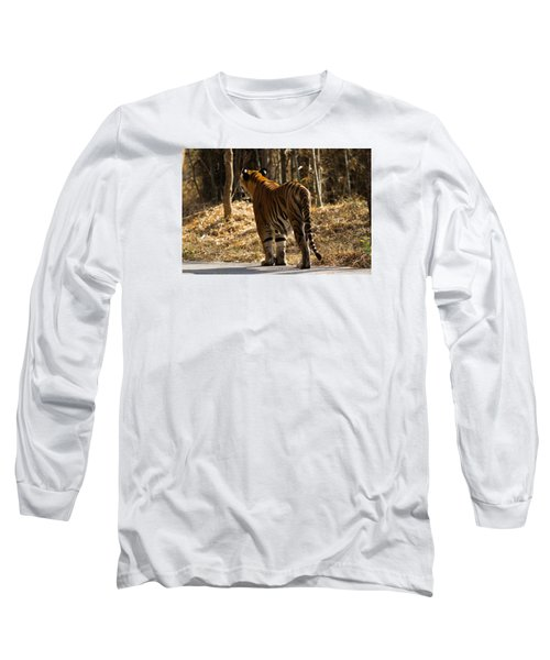 Long Sleeve T-Shirt featuring the photograph Focused by Ramabhadran Thirupattur