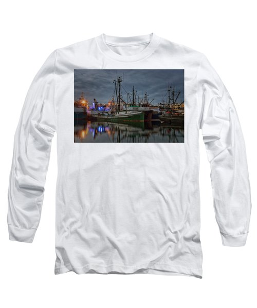 Long Sleeve T-Shirt featuring the photograph Full House 2 by Randy Hall