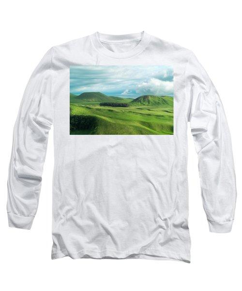 Green Hills On The Big Island Of Hawaii Long Sleeve T-Shirt