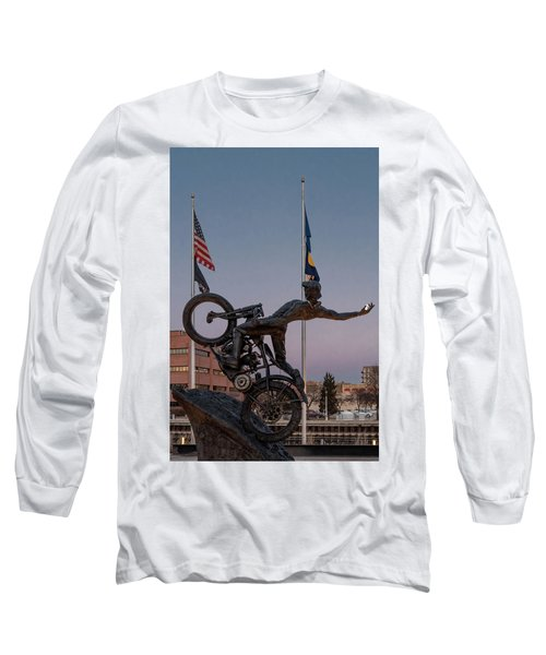 Long Sleeve T-Shirt featuring the photograph Hill Climber Catches The Moon by Randy Scherkenbach