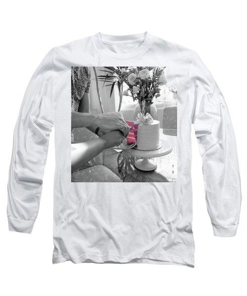 It's A Girl Long Sleeve T-Shirt