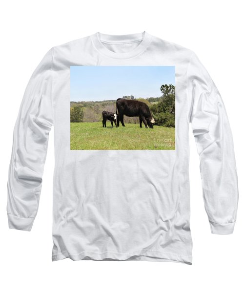 Mama Cow And Calf In Texas Pasture Long Sleeve T-Shirt