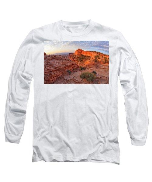 Mesa Arch Overlook At Dawn Long Sleeve T-Shirt