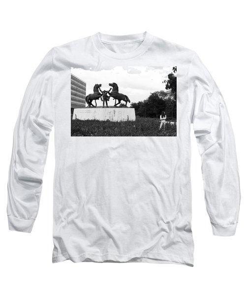 Long Sleeve T-Shirt featuring the photograph Model And The Monument by Lorraine Devon Wilke