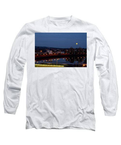 Moonrise In Belfast Long Sleeve T-Shirt