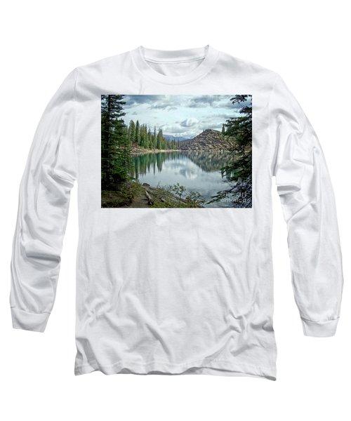 Moraine Lake Canadian Rockies Long Sleeve T-Shirt