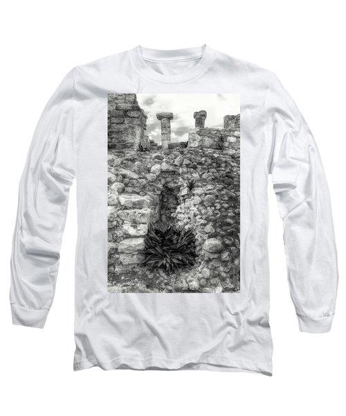 Nestle Rock B/w Long Sleeve T-Shirt