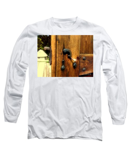 Old Door Handle Long Sleeve T-Shirt