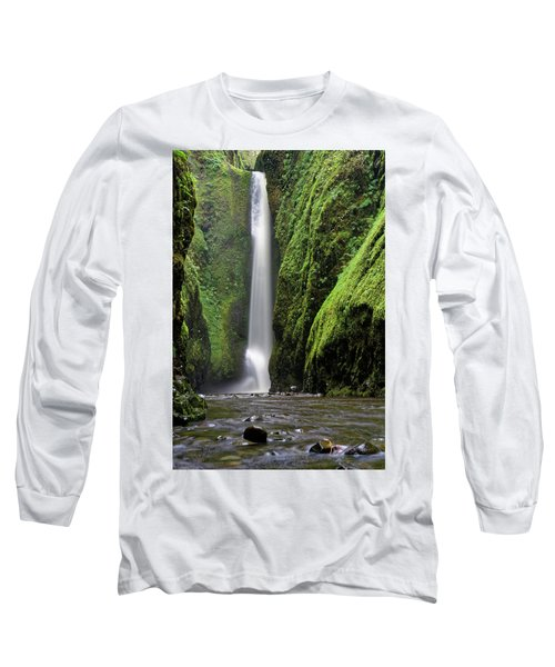 Long Sleeve T-Shirt featuring the photograph Oneonta Portrait by Jonathan Davison