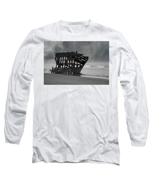 Peter Iredale Shipwreck At Oregon Coast Long Sleeve T-Shirt