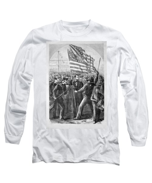 President Lincoln Holding The American Flag Long Sleeve T-Shirt