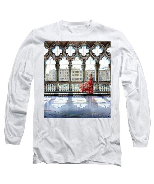 Quatrefoil Breeze Long Sleeve T-Shirt