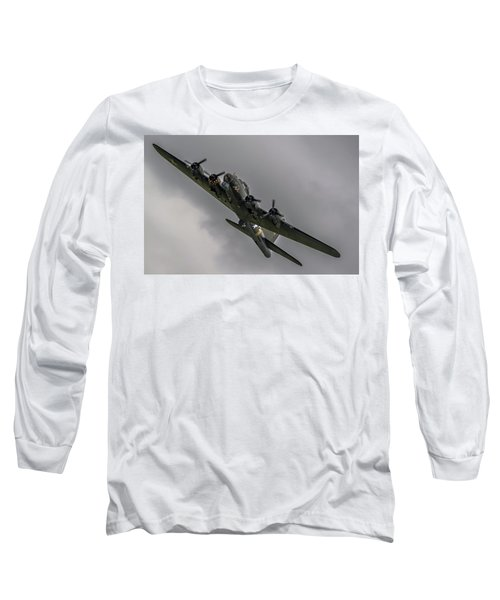 Raf Scampton 2017 - B-17 Flying Fortress Sally B Turning Long Sleeve T-Shirt