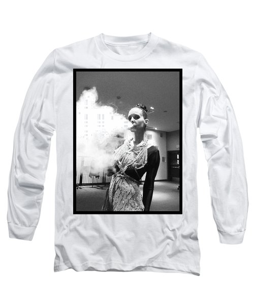 Long Sleeve T-Shirt featuring the photograph Red Carpet Vapeing  by Lisa Piper