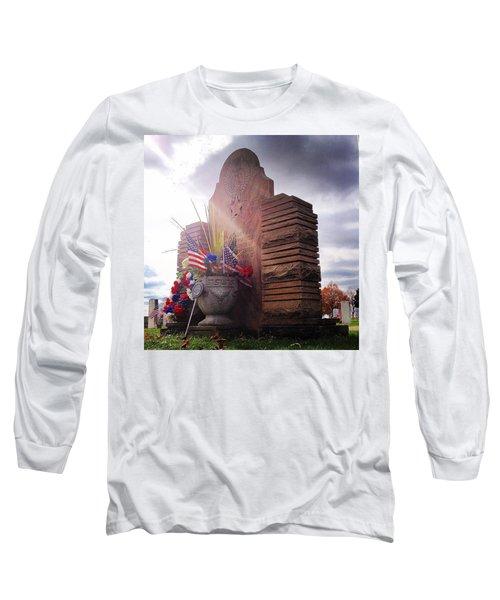 Riverside Cemetery War Memorial Long Sleeve T-Shirt