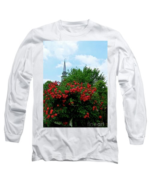 Long Sleeve T-Shirt featuring the photograph Roses On The Fence In Mauricetown by Nancy Patterson