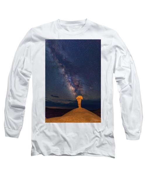 Secret Spire And The Milky Way Vertical Long Sleeve T-Shirt