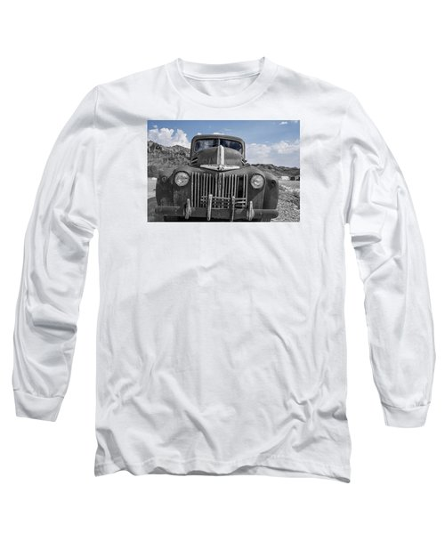 Long Sleeve T-Shirt featuring the photograph The Boss by Annette Berglund