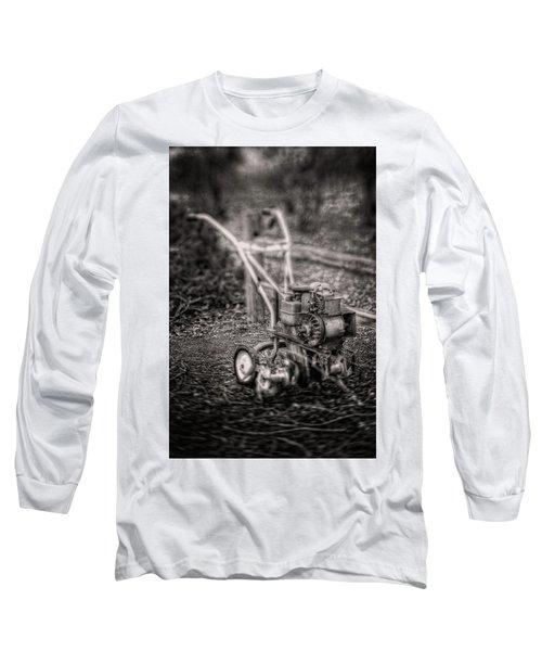 Vintage Garden Rototiller Near Split Rail Fence In Black And Whi Long Sleeve T-Shirt