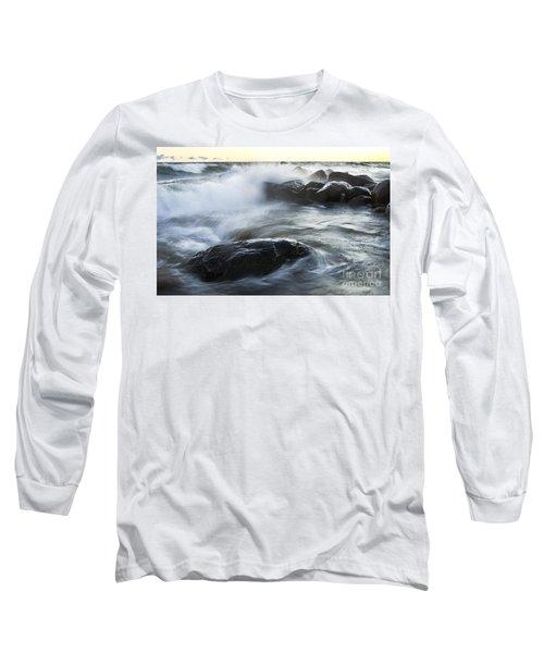 Wave Crashes Rocks 7833 Long Sleeve T-Shirt