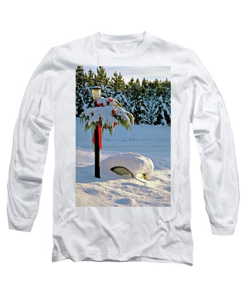 Winter Lamp Post In The Snow With Christmas Bough Long Sleeve T-Shirt