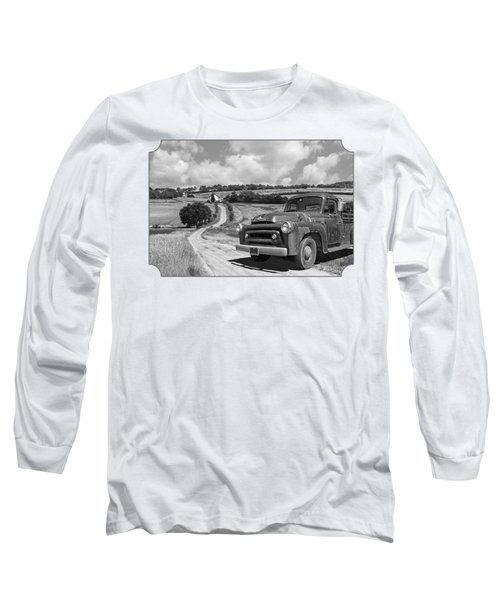 Down On The Farm- International Harvester In Black And White Long Sleeve T-Shirt