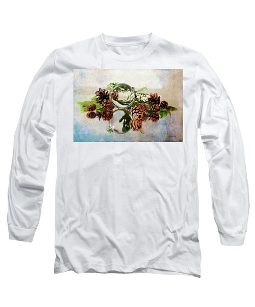 Long Sleeve T-Shirt featuring the photograph Christmas Thoughts by Randi Grace Nilsberg
