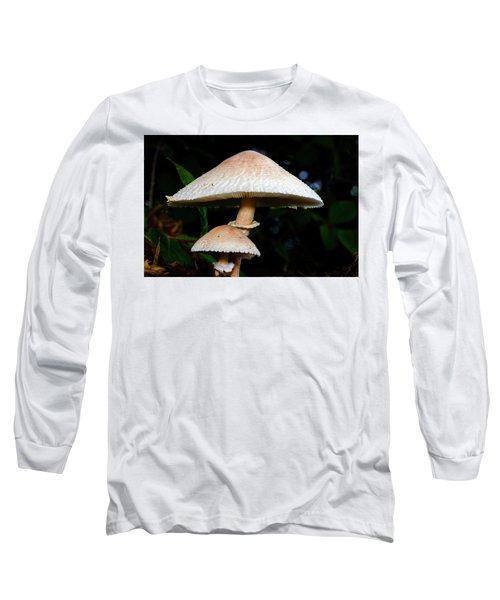 Mushroom - Chlorophyllum Molybdites Long Sleeve T-Shirt