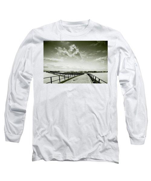 Pier-shaped Long Sleeve T-Shirt