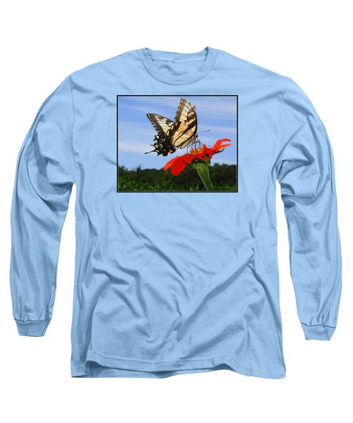 Butterfly On Red Daisy Long Sleeve T-Shirt