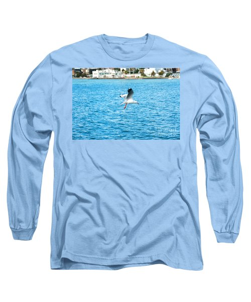 Long Sleeve T-Shirt featuring the photograph Seagull At St Kilda by Yew Kwang