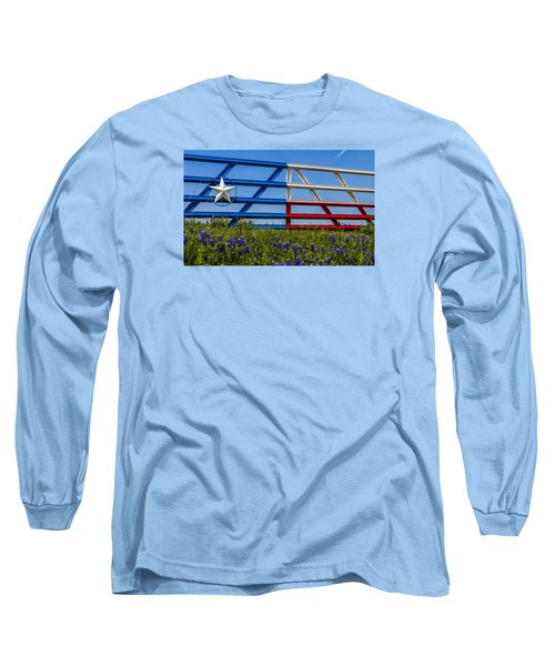 Texas Flag Painted Gate With Blue Bonnets Long Sleeve T-Shirt