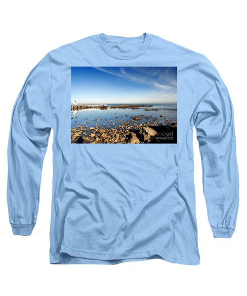 Long Sleeve T-Shirt featuring the photograph Williamstown Beach by Yew Kwang