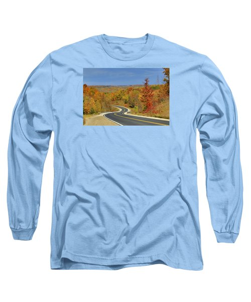 Long Sleeve T-Shirt featuring the photograph Autumn In The Hockley Valley by Gary Hall