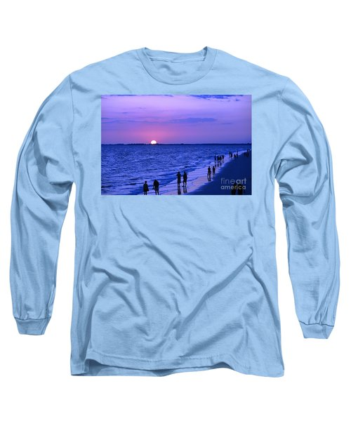 Blue Sunset On The Gulf Of Mexico At Fort Myers Beach In Florida Long Sleeve T-Shirt