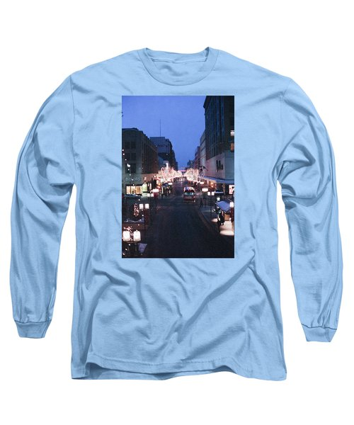 Christmas On The Mall Long Sleeve T-Shirt