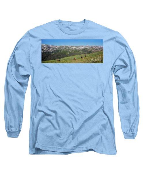 Elk Grazing In Rmnp Long Sleeve T-Shirt by John Roberts