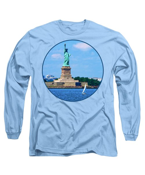 Manhattan - Sailboat By Statue Of Liberty Long Sleeve T-Shirt
