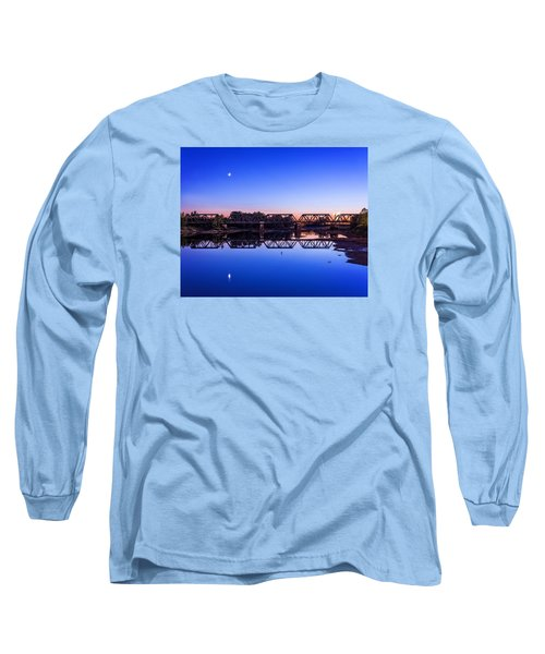 Long Sleeve T-Shirt featuring the photograph Scioto Sunset Crossing by Alan Raasch