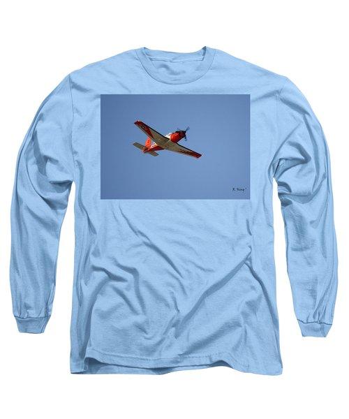 T34 Mentor Trainer Flying Long Sleeve T-Shirt
