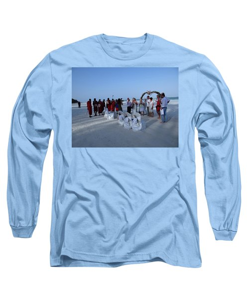 The Happy Couple - Married On The Beach Long Sleeve T-Shirt