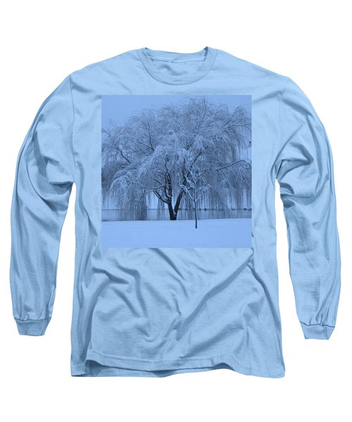 Winter Willow Tree Before Dawn_fort Worth_tx Long Sleeve T-Shirt by Barbara Yearty