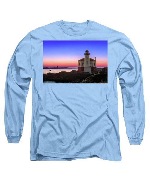Crab Boat At The Bandon Lighthouse Long Sleeve T-Shirt