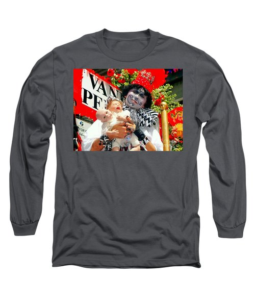 Long Sleeve T-Shirt featuring the photograph 2 Heads Are Better Than One by Ed Weidman