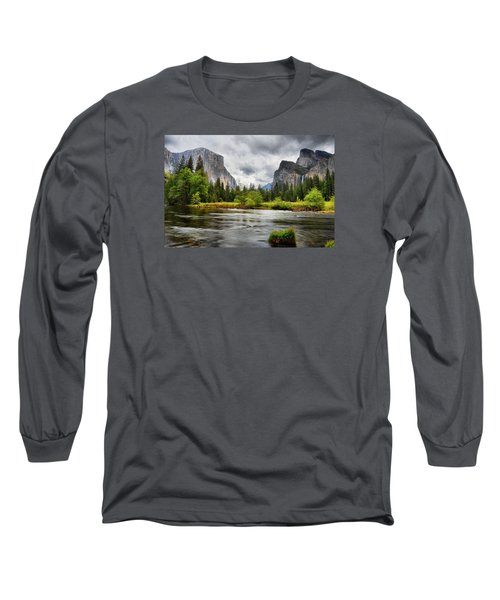 A Storm Draws Near  Long Sleeve T-Shirt